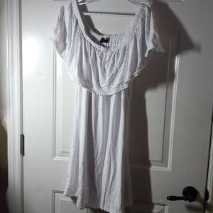 Le Chateau - BNWT White off Shoulder Dress XXL